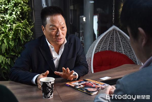 ▲▼鏡週刊專訪總裁王令麟。(圖/記者李毓康攝)