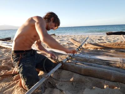 百萬網紅「荒島生存遇鯊魚」消失1月