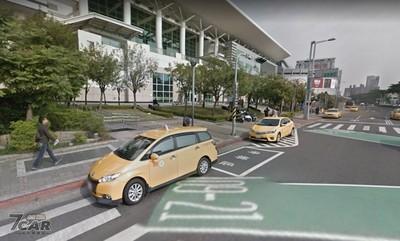 高雄市31路口開放機車直接左轉