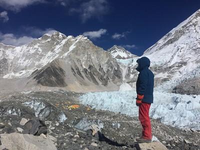 聖母峰縮水? 尼泊爾派人登頂測量