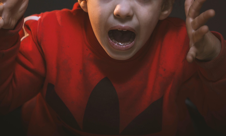 ▲男孩,小孩,小學生,情緒,生氣,憤怒。(圖/取自免費圖庫Pexels)