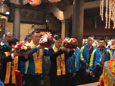 楊鎮浯赴陸宗教交流 拜媽祖抽空拚經濟