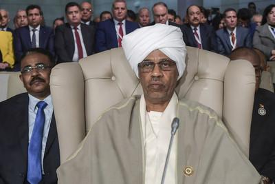 不敵民意 蘇丹軍委會主席上任1天請辭