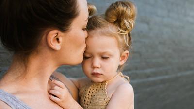 別離開孩子太久!未滿三歲兒需要陪伴 失去關注慌張哭喊找媽媽