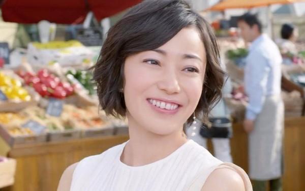 菅野美穗演出多部日劇都受好評,屢次登上好感度排行榜,或許與她常飾演正義形象角色有關。(翻攝自網路)