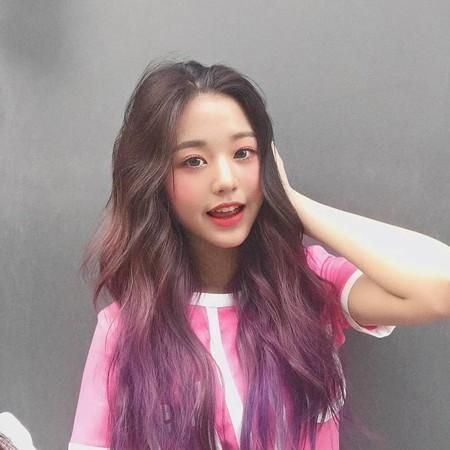 ▲▼IZ*ONE張元英染紫色頭髮。(圖/翻攝自IG)