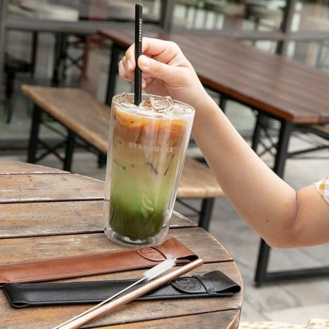 ▲钛合金环保吸管组。(图/翻摄自IG@starbuckshk、Starbucks Hong Kong FB)
