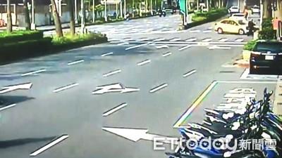 京華城小黃左轉撞直行機車 女騎士噴飛亡
