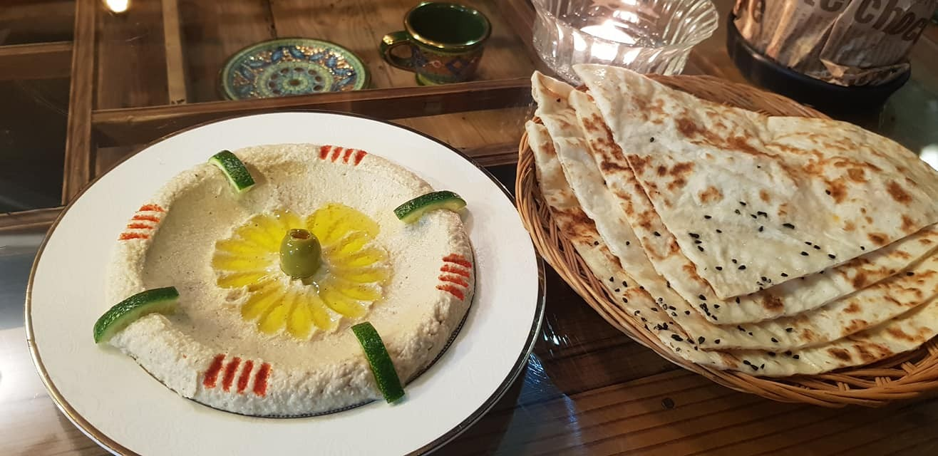 ▲▼餐廳內的中東料理hummus(圖/翻攝自Jeju Wardah Restaurant粉絲專頁)