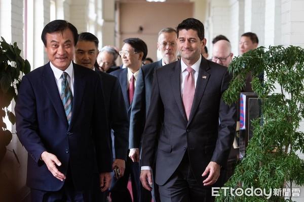 ▲�立法院长苏嘉全会见美国联邦众议院前议长莱恩(Paul Ryan, R-WI)一行,AIT处长郦英杰( William Brent Christensen) 陪同。(图/记者季相儒摄)