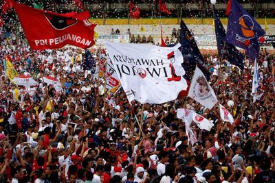 印尼大選海外投票 台投票所大排長龍