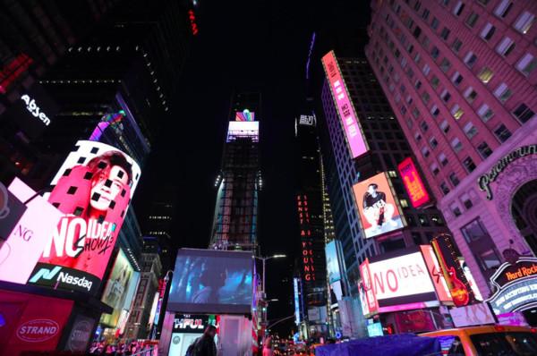 ▲▼羅志祥登上紐約時代廣場             。(圖/EMI提供)