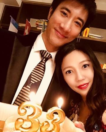 ▲王力宏和女兒替老婆李靚蕾慶生。(圖/翻攝自李靚蕾Instagram)