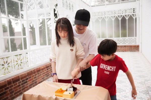 ▲《爸爸去哪兒》森碟過11歲生日。(圖/翻攝自微博/田亮)