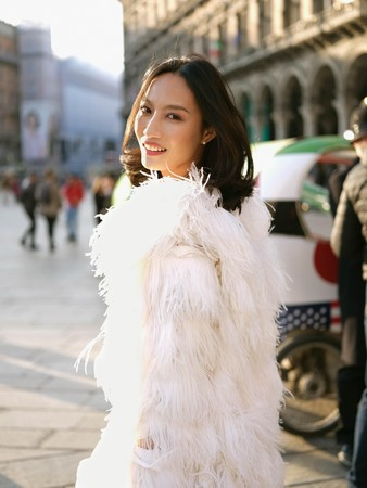▲凱渥名模邱馨慧六月出嫁 ,穿香檳蕾絲婚紗漫步米蘭教堂。(圖/凱渥提供)