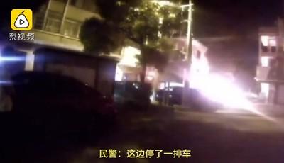 求財運燒毀鄰居2車 她慘賠59萬