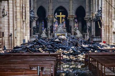 巴黎聖母院大火畫面曝光!12m烈焰狂燒