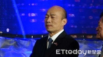 即/韓國瑜台上「高唱國歌」 3500僑胞擠爆會場