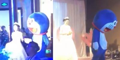 毀容爸變哆啦A夢 出席愛女婚禮