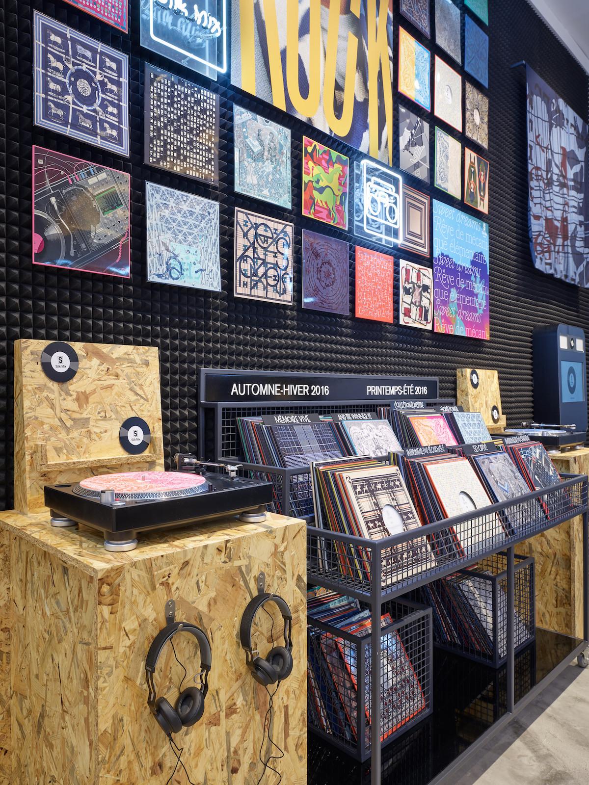 爱马仕4月底在台北开黑胶唱片行!封套是丝巾图案 免费入场听音乐