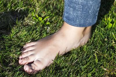 腳後跟冒出小黑痣...63歲男罹癌第三期