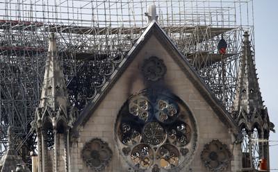 重建聖母院捐款破200億 企業家好心都是為省錢