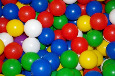 孩童遊樂場有毒品 球池再藏一包