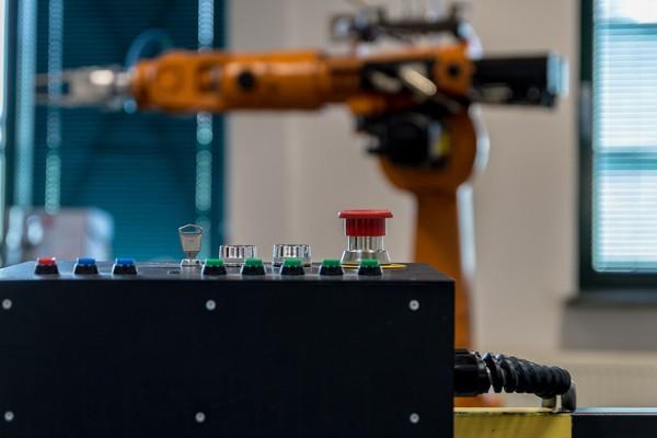 ▲ 2030年,全球大約會有高達8.5%的製造業職位會捨棄人力,改用機器來生產。(圖/取自免費圖庫pixabay)