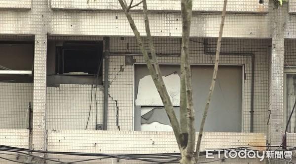 ▲▼台北市信義路富貴角大樓受到0418地震影響。(圖/ETtoday攝影中心)
