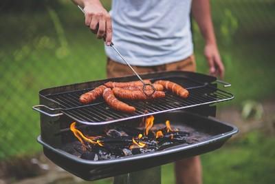 素食女控鄰烤肉 6千人想來她家BBQ