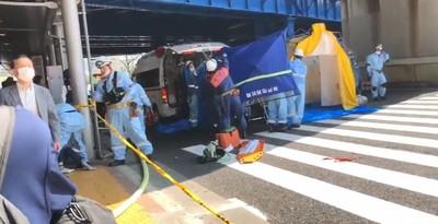 「踩了煞車卻加速」 神戶公車暴衝釀2死