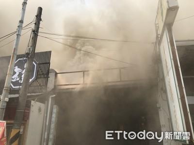 台南善化區藥房火警 4棟建物燒毀