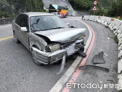蘇花公路撞護欄!他傻愣駕駛座:不是我開的