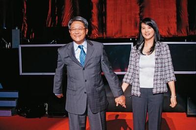 三大家族支持 最美董娘接台新金家族控股核心
