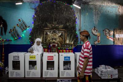 印尼119名選務志工過勞死