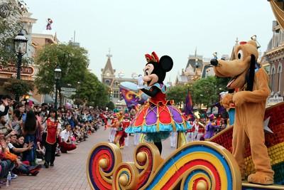 香港迪士尼全年損失上看83億元