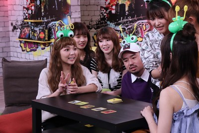 Lulu探班驚見阿達被7女星環繞