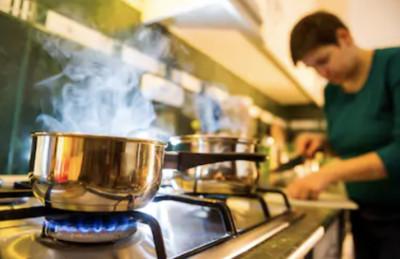 廚房油煙=空汙元兇!淨化空氣2大神物 專家教你正確用