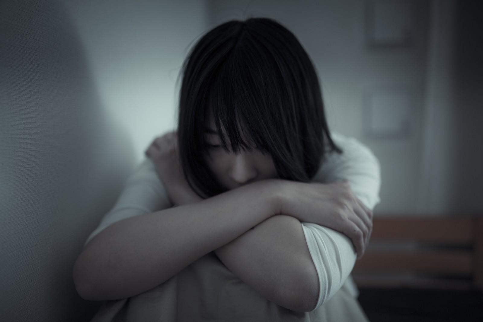 ▲失戀,孤單。(圖/翻攝PAKUTASO)