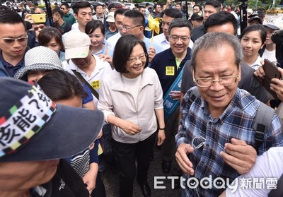 參加遊行被柯文哲酸「省下來做事」 蔡英文:總統很努力做很多事