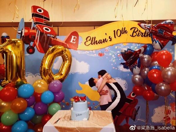 ▲梁洛施發文慶祝大兒子10歲生日。(圖/翻攝自梁洛施微博)