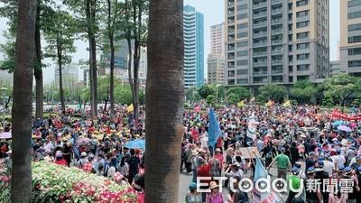 大社工業區降編案 萬名勞工喊為生計上街遊行