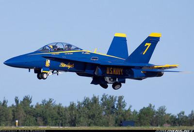 當個機師,還要會開二檔►戰鬥機模式