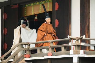 日本天皇沒人權 想生前退休爭3年