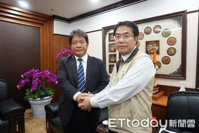 黃偉哲拜會議長 懇請議會通過墊付案