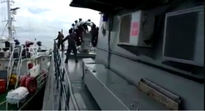 越南漁政船擦撞印尼巡防艦!