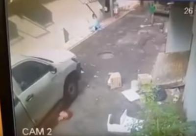 阿嬤遭貨車撞倒 捲入車底輾來輾去