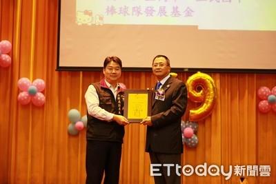 陳柏峰回饋社會 捐4傳貨車防災救人