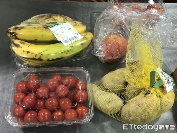 ▲▼蔬果,塑膠袋,塑膠包裝,綠色和平。(圖/記者許展溢攝)