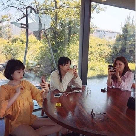 ▲金賽綸家3姊妹。(圖/翻攝自Instagram)